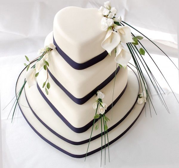 Click to enlarge image torta-nuziale-cuore.jpg