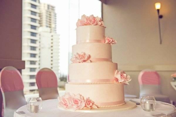 Torta Nuziale Tema Mare Con Scritta Love Pictures to pin on Pinterest