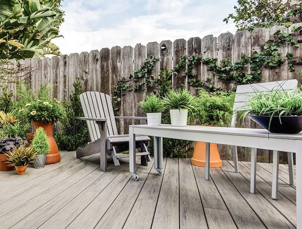 Idee e consigli d 39 arredo per spazi esterni giardini for Idee di veranda laterale
