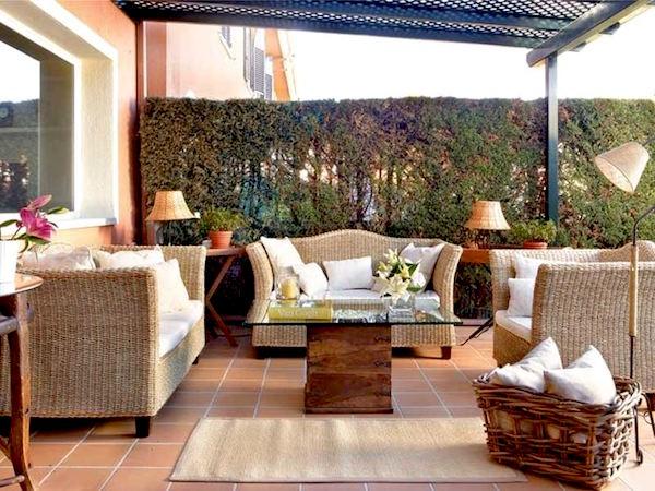 Idee e consigli d 39 arredo per spazi esterni giardini for Arredare la veranda