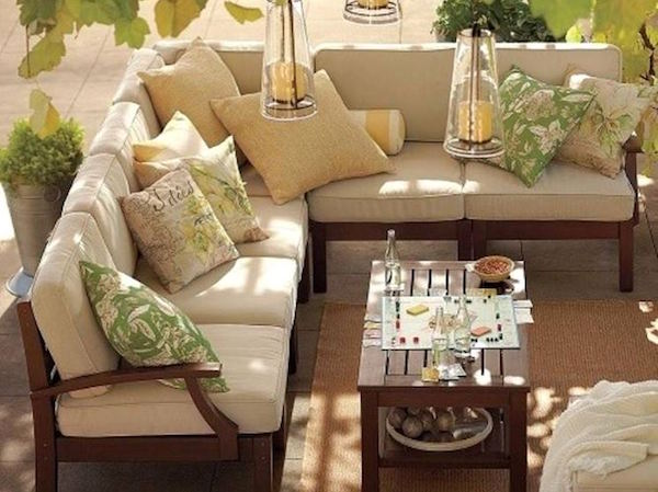 Idee e consigli d 39 arredo per spazi esterni giardini for Consigli x arredare casa