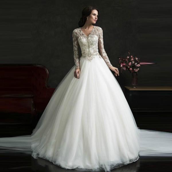 L abito da sposa perfetto per un matrimonio in inverno 17e4253f183
