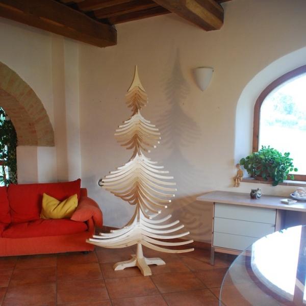 Dopo le nozze ci regaliamo un arredo wood idea for Albero di natale di legno