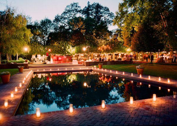Lampade lanterne e candele per un matrimonio suggestivo e for Candele per piscina
