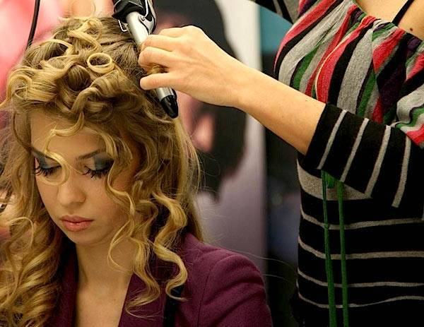 Estremamente da sposa: come valorizzare la naturale bellezza dei capelli ricci JF34