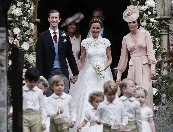 25990ae343be Pippa e James  il matrimonio dell anno