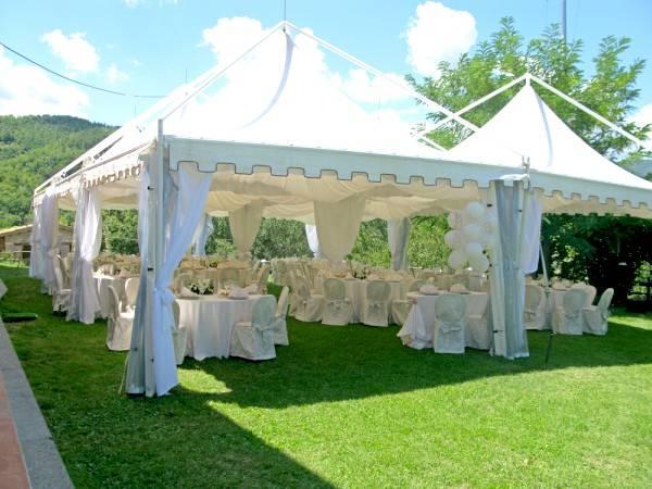 Famoso organizzare un bellissimo matrimonio all'aperto VV14