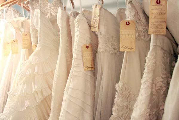 Come risparmiare sulle spese dell abito da sposa  ecco le 7 cose da evitare e8a7051a2ef