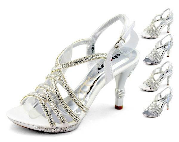Scarpe Matrimonio Sposa Comode.Scarpe Da Sposa 4 Consigli Per Sceglierle Comode Ed Eleganti