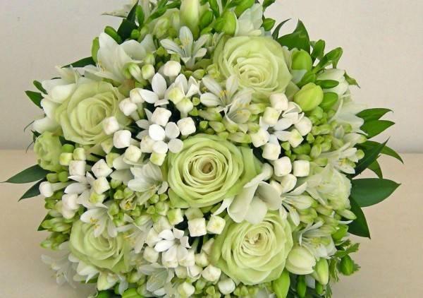 Matrimonio In Bianco : Addobbo bianco & verde: un classico che non passa mai di moda